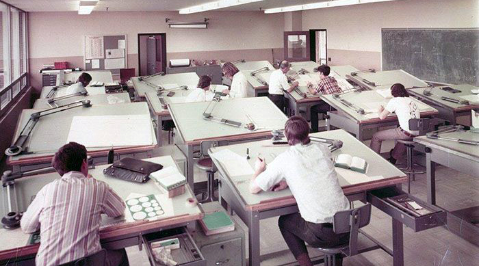 Photo des ingénieurs dessinateurs avant autoCAD