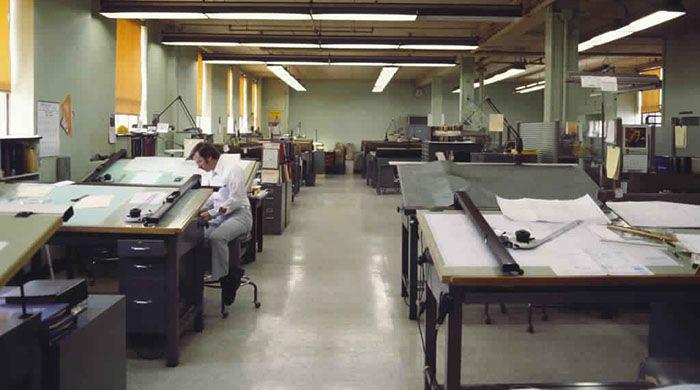 Photo des ingénieurs dessinateurs avant autoCAD - bureaux