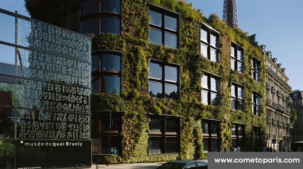 Le bâtiment du Quai Branly à Paris - des végétaux sur tous les murs